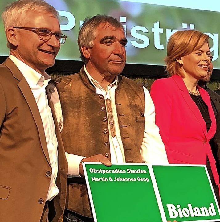 Freuen sich mit Martin Geng: Ministeri...agsabgeordnete  Zickenheiner (links).   | Foto: Büro Zickenheiner