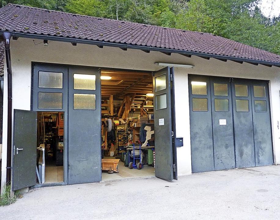 Gleich mehrere Interessenten buhlen um...es ausrangierten Werkhofs in Tegernau.    Foto: Dirk Sattelberger