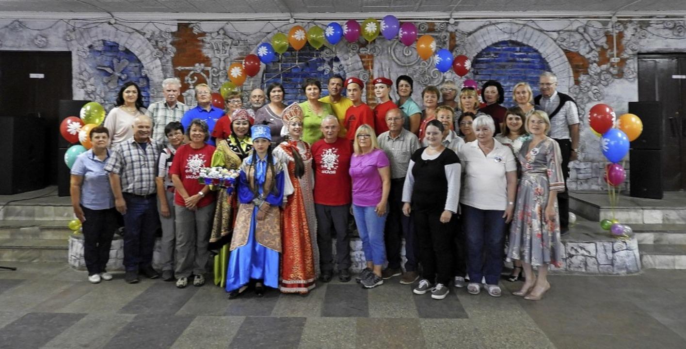 Südsibirische Gastgeber mit ihren südbadischen Gästen in Abakan.     Foto: Alexander Kolbusow