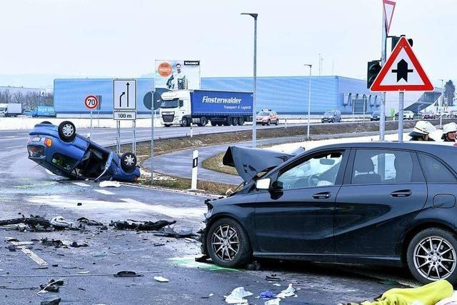 Schwerer Unfall beim Autobahnzubringer in Lahr