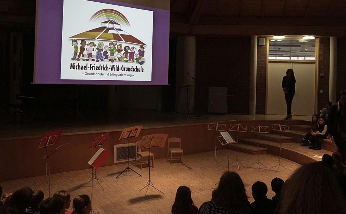 Zur Einführung des bilingualen Zugs ha...rarbeitet und zum Festakt präsentiert.  | Foto: Hub