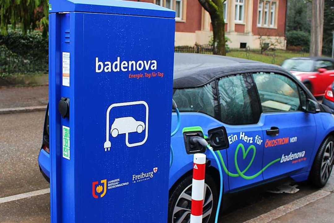 Engpass Ladesäule? Knapp 13500 versorg...uell zugelassenen etwa 150000 E-Autos.  | Foto: Michaela Röhm