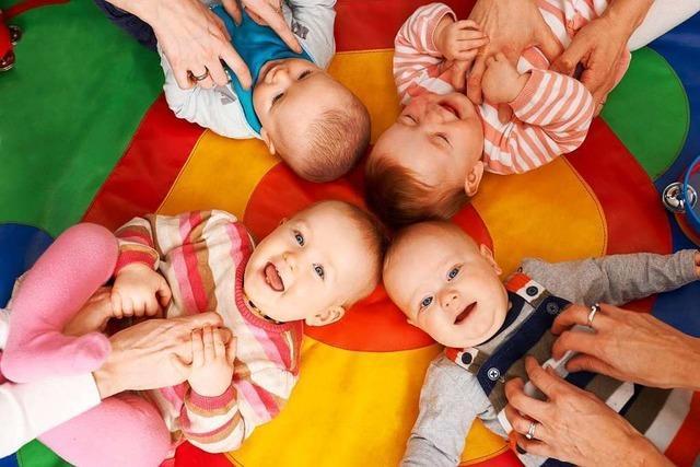 Das Standesamt in Freiburg verzeichnet Rekordwerte bei Geburten und Kirchenaustritten