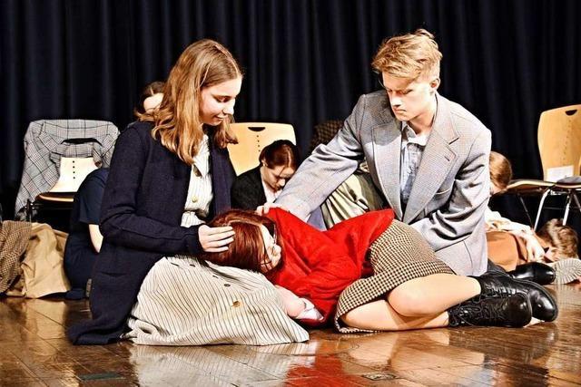 Zwei Lahrer Gymnasien stellen Theaterstück über NS-Opfer auf die Beine