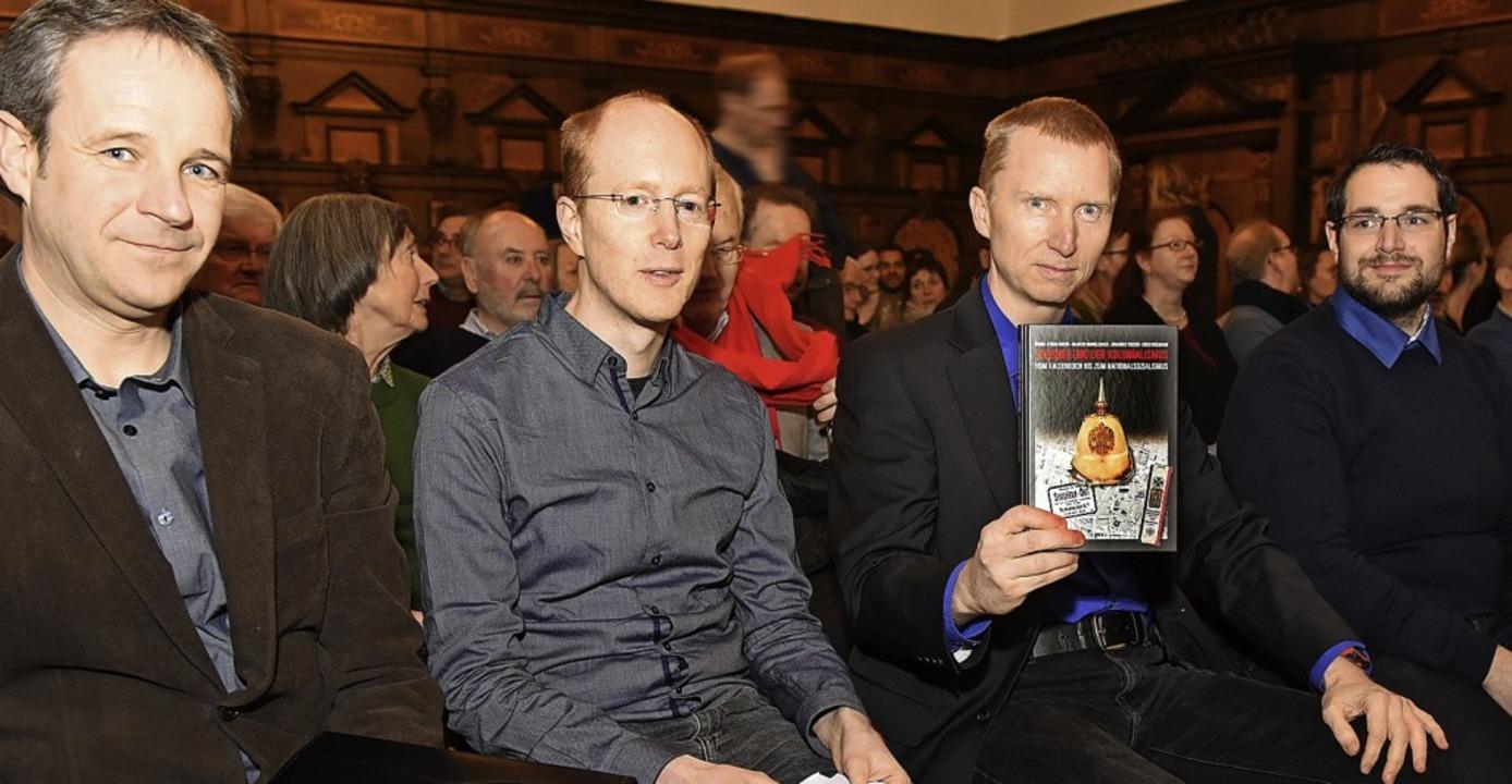 Das Autorenteam bei der Buchvorstellun... Heiko Wegmann und Markus Himmelsbach.    Foto:  Rita eggstein