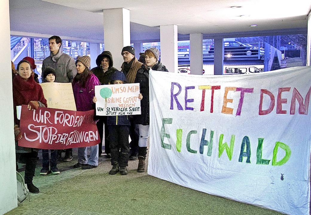 Eine Bürgerinitiative fordert einen St...dungsarbeiten im Müllheimer Eichwald.   | Foto: F0t0: Volker Münch