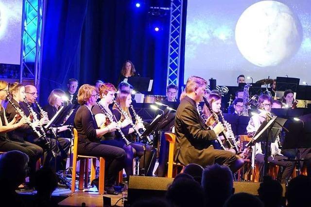 Der Musikverein Wollbach entführt in die Weiten des Weltalls