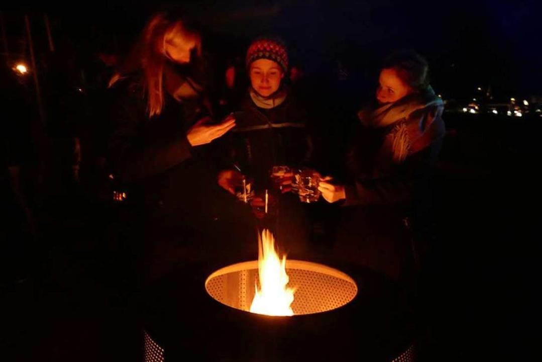Feuerstellen zum Aufwärmen gab es auch.  | Foto: Christian Ringwald