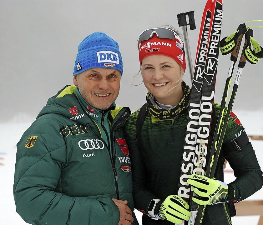 Der ehemalige Frauen-Bundestrainer Ger... nach dem Biathlon nun auf sie warten.  | Foto: ruoff