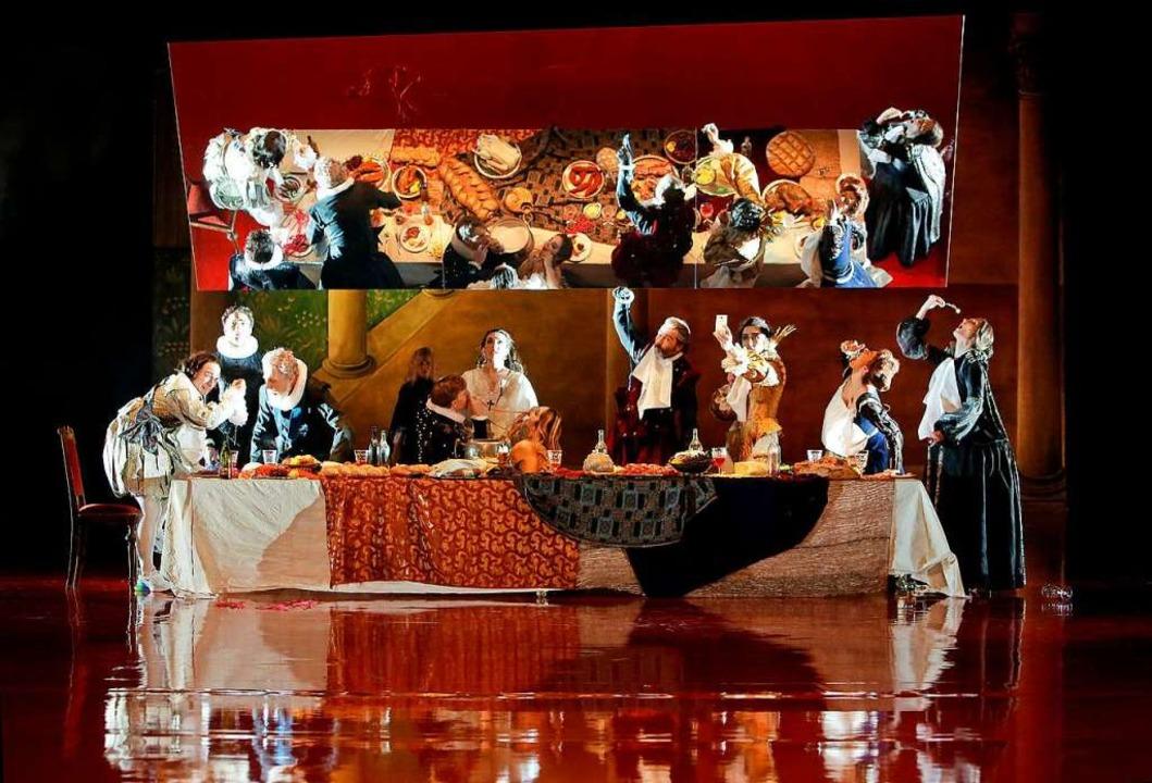 Die Hochzeitstafel mit dem gesamten Ensemble.  | Foto: Birgit Hupfeld