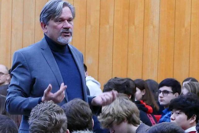 Was Lörracher Schüler vom UNHCR-Vertreter Dominik Bartsch wissen wollten