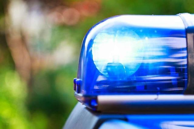 Taxifahrer verletzt sich leicht bei Unfall