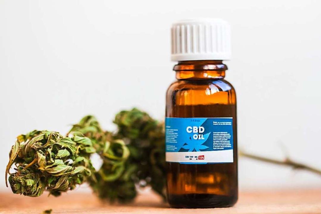 CBD-Öl wird zum Beispiel gegen Angstzu...erforscht, wie es bei Epilepsie wirkt.    Foto: Elroi (Adobe Stock)
