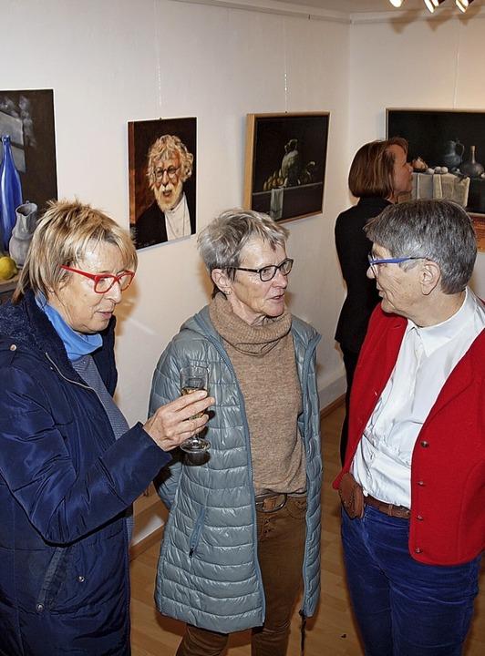 Ute Tankus (r.) im Gespräch   | Foto: Haberer