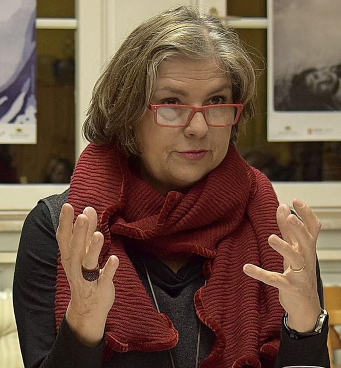 Ruth Büchner erinnerte an die Vorkämpferinnen für das Frauewahlrecht.     Foto: Kai Kricheldorff