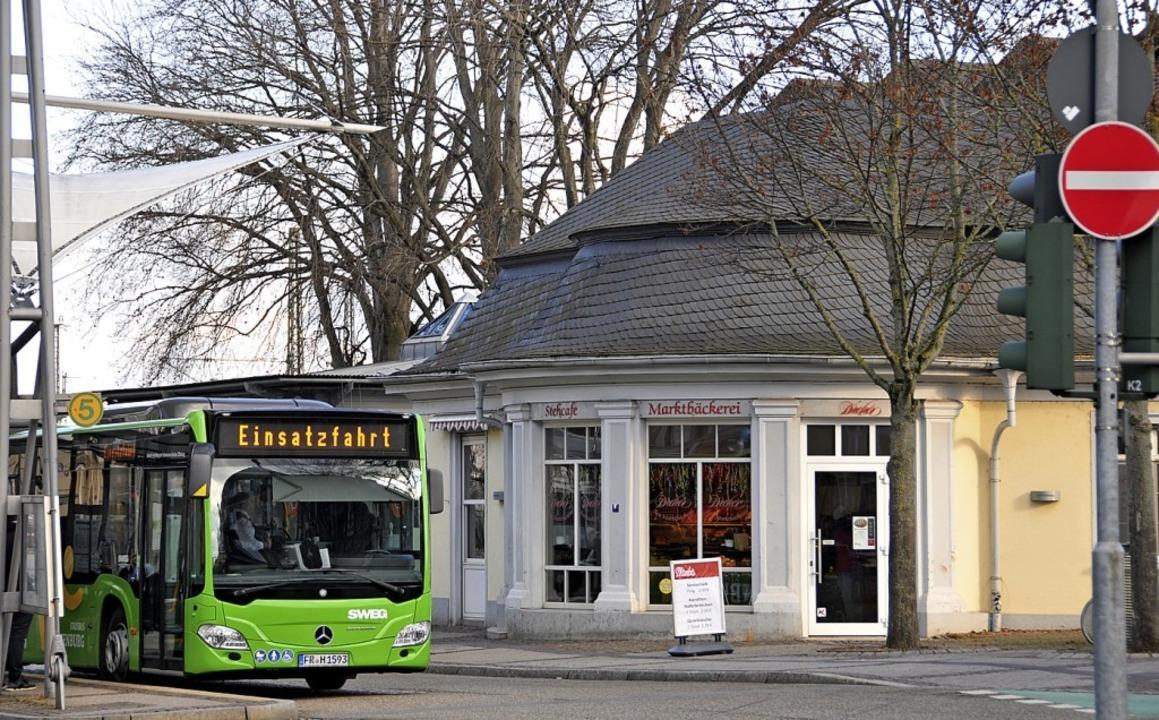Der Pavillon am Busbahnhof befindet sich jetzt im Besitz der Stadt.  | Foto: hls
