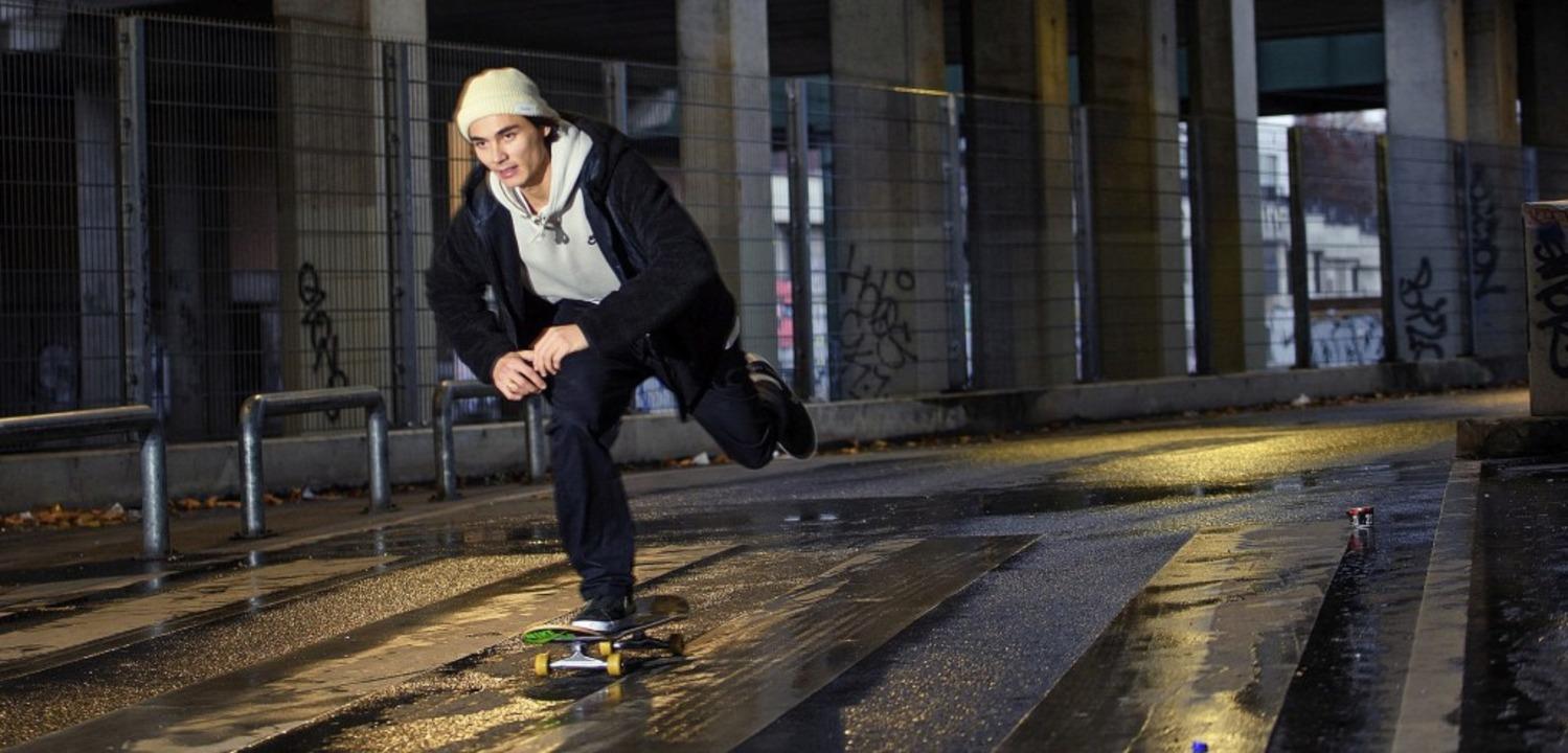 2e63d7f0ff6cd2 ... sagt Skate-Pionier Titus Dittmann. Foto  dpa  Auf den Straßen von  Berlin trainiert D...sein Training nach Brasilien verlegt.