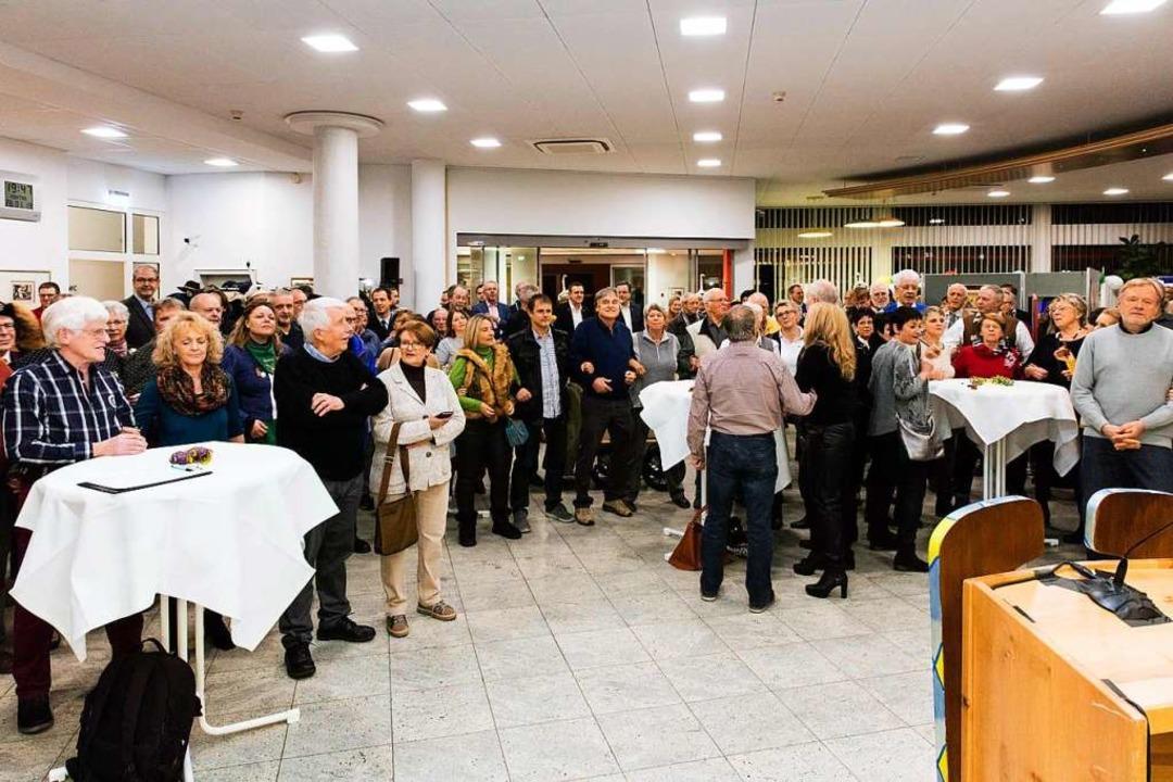 Mehr als 200 Besucher kamen zur Ausstellungseröffnung.  | Foto: Gabriele Zahn