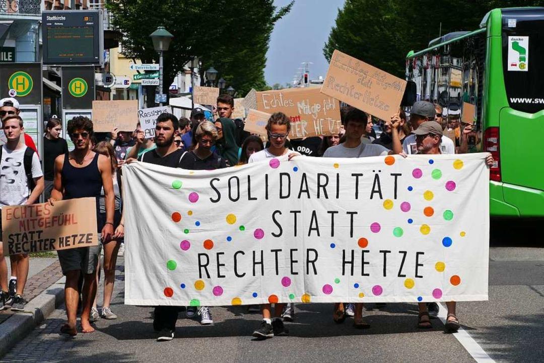 Die AfD wollte die Tat für sich instru...en. Viele Offenburger hielten dagegen.  | Foto: Helmut Seller