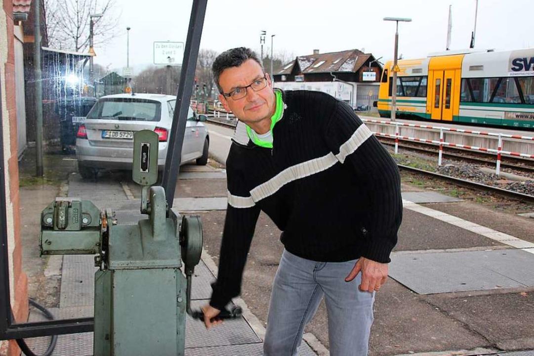 Harry Mutschler arbeitet seit 1993 als... für die Schranke zum Hinterfalterweg.  | Foto: Mario Schöneberg