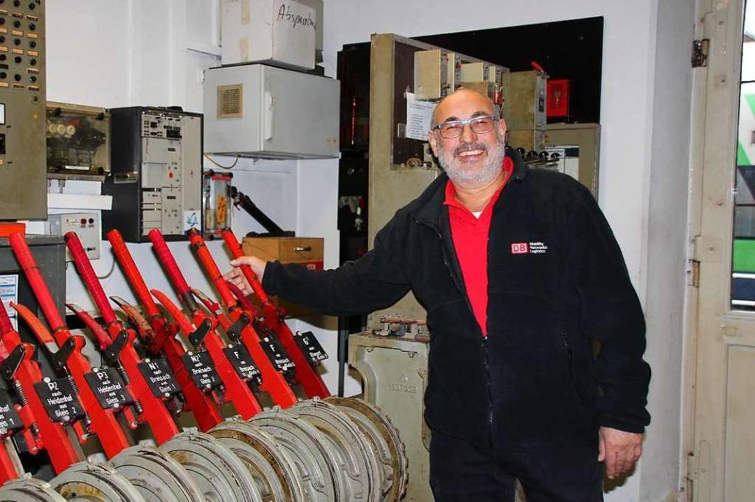 Klaus Melcher ist seit 1981 als Fahrdienstleiter in Gottenheim.  | Foto: Mario Schöneberg