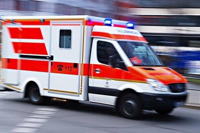 Polizei sucht Fahrer von geschädigtem Kleinwagen