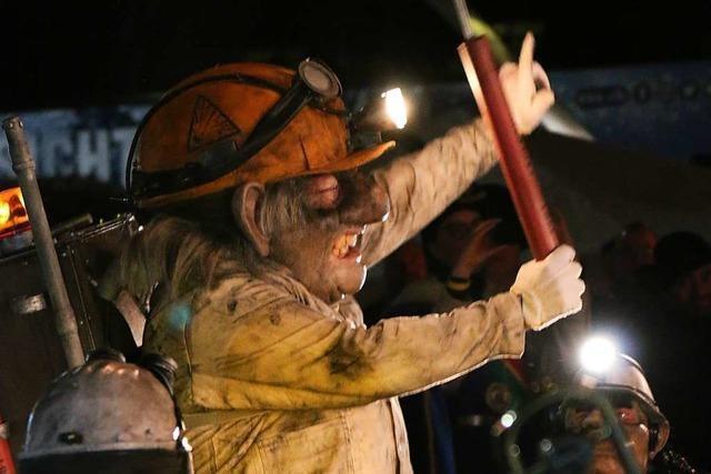 Die Oktave Chratzer Brombach stellen ihr neues Kostüm vor
