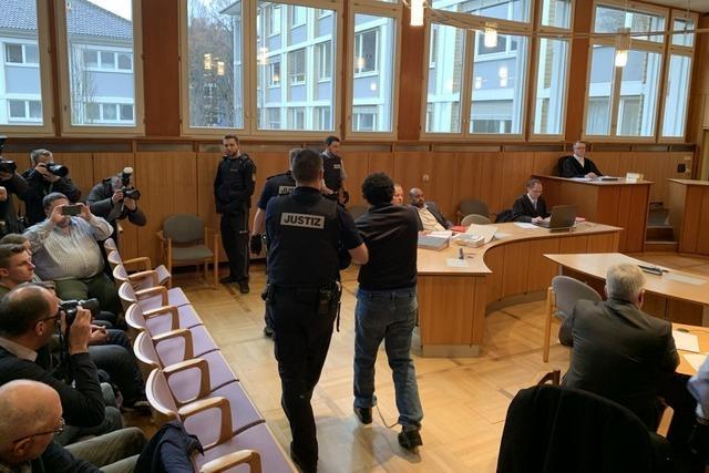 Offenburger Arzt erstochen: Angeklagter sorgt für Verwirrung im Gerichtssaal