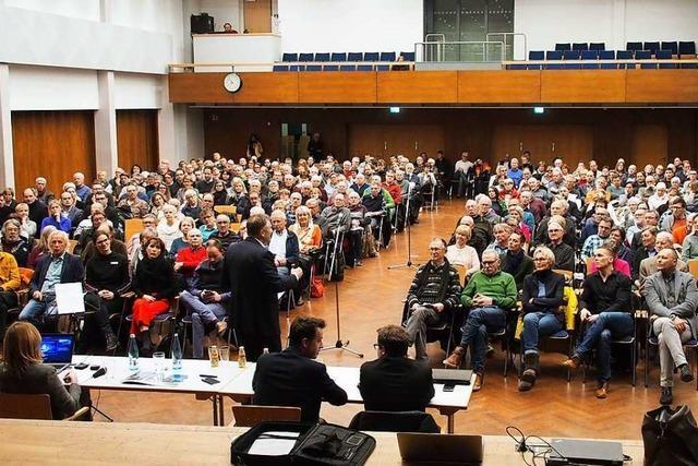 Bürger informierten sich über Pläne am Kirchzartener Kurhaus