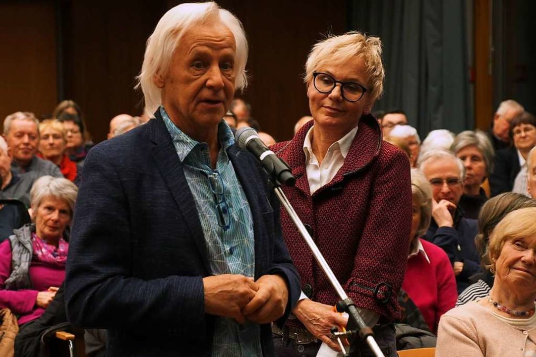 IAK-Geschäftsführer Alfred Schatz spra...für den Bau des Hotels am Kurhaus aus.  | Foto: Markus Donner