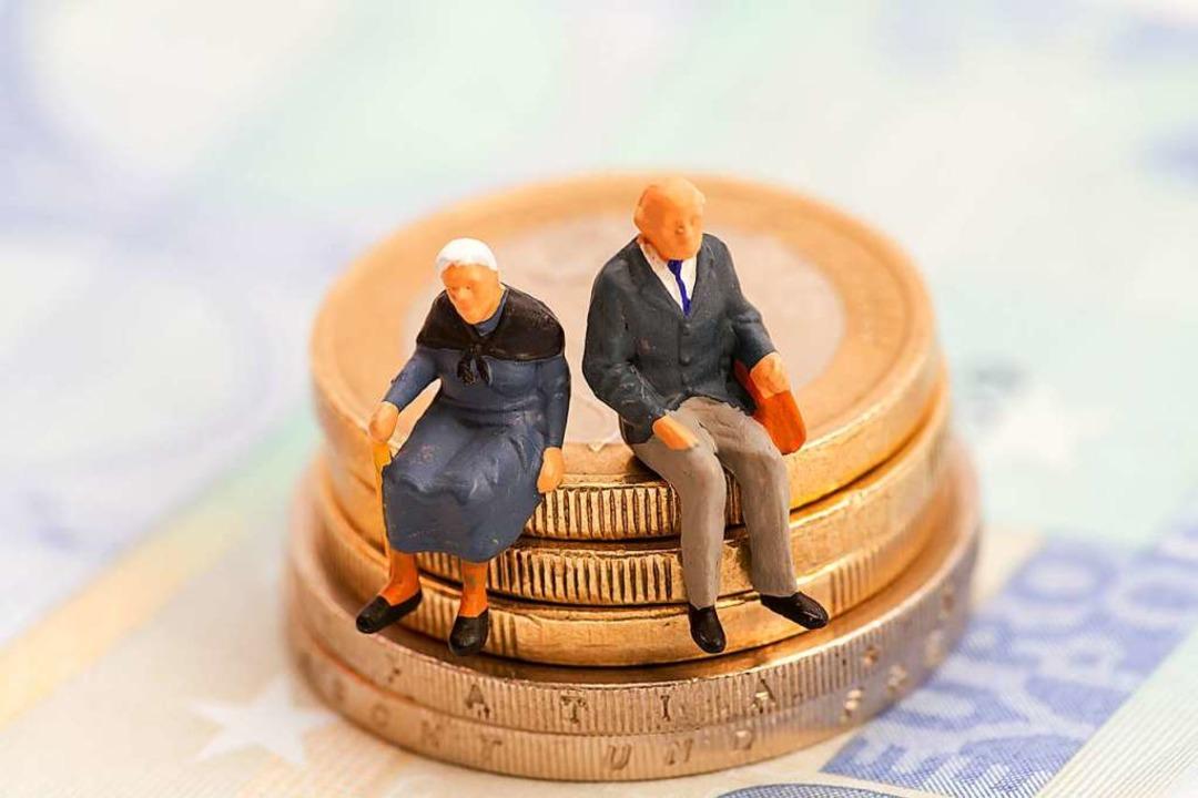 Als die Sozialkassen Anfang der Nuller...le Ältere haben weniger Geld erhalten.  | Foto: blende40
