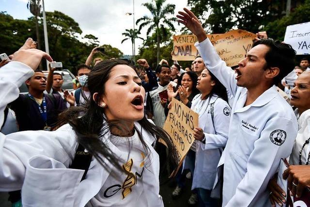 Guaidos Studenten gegen Maduros Soldaten