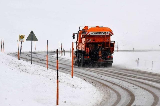 Wintereinbruch sorgt im Kreis Lörrach für mehrere Unfälle