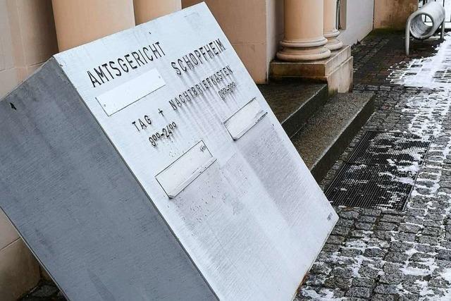 Mann randaliert vor Schopfheimer Amtsgericht