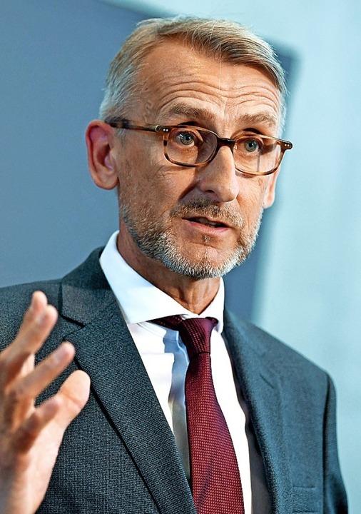 Armin Schuster ist Bundestagsabgeordneter aus Weil.   | Foto: dpa