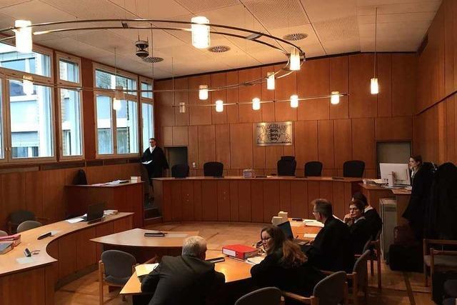 Arztmordprozess: Der Angeklagte wünscht sich einen anderen Rechtsbeistand