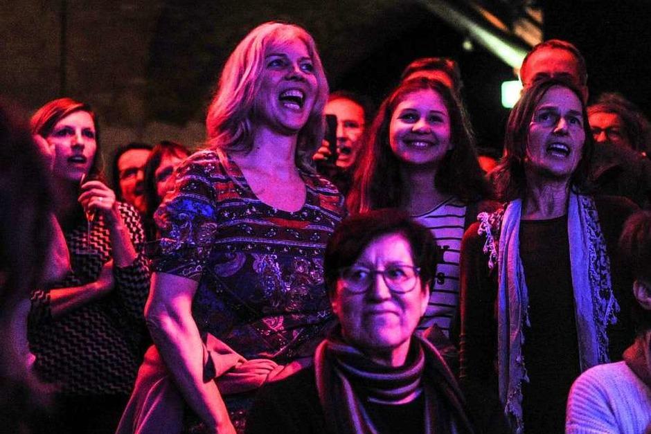 Spaß am Singen hatten die Teilnehmer am siebten Singalong der BZ im Jazzhaus (Foto: Andrea Schiffner)