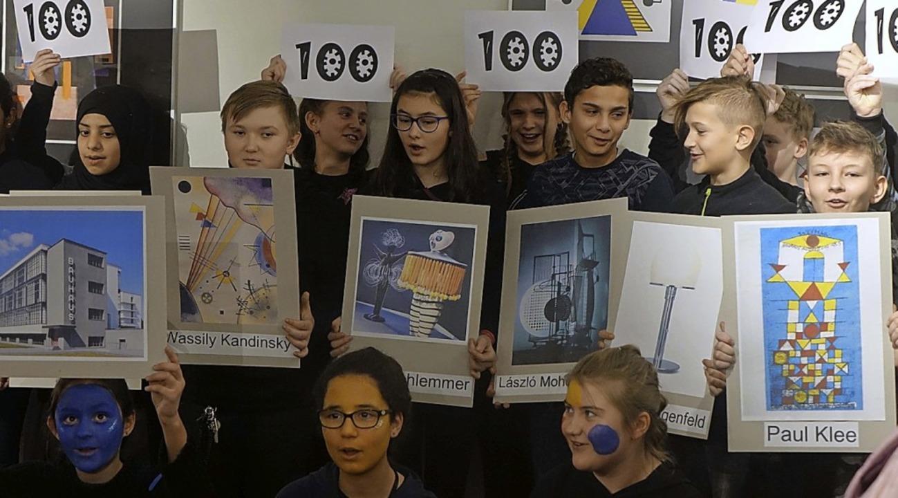 Originelle Geburtstagsperformance der Realschule Dreiländereck  | Foto: Roswitha Frey