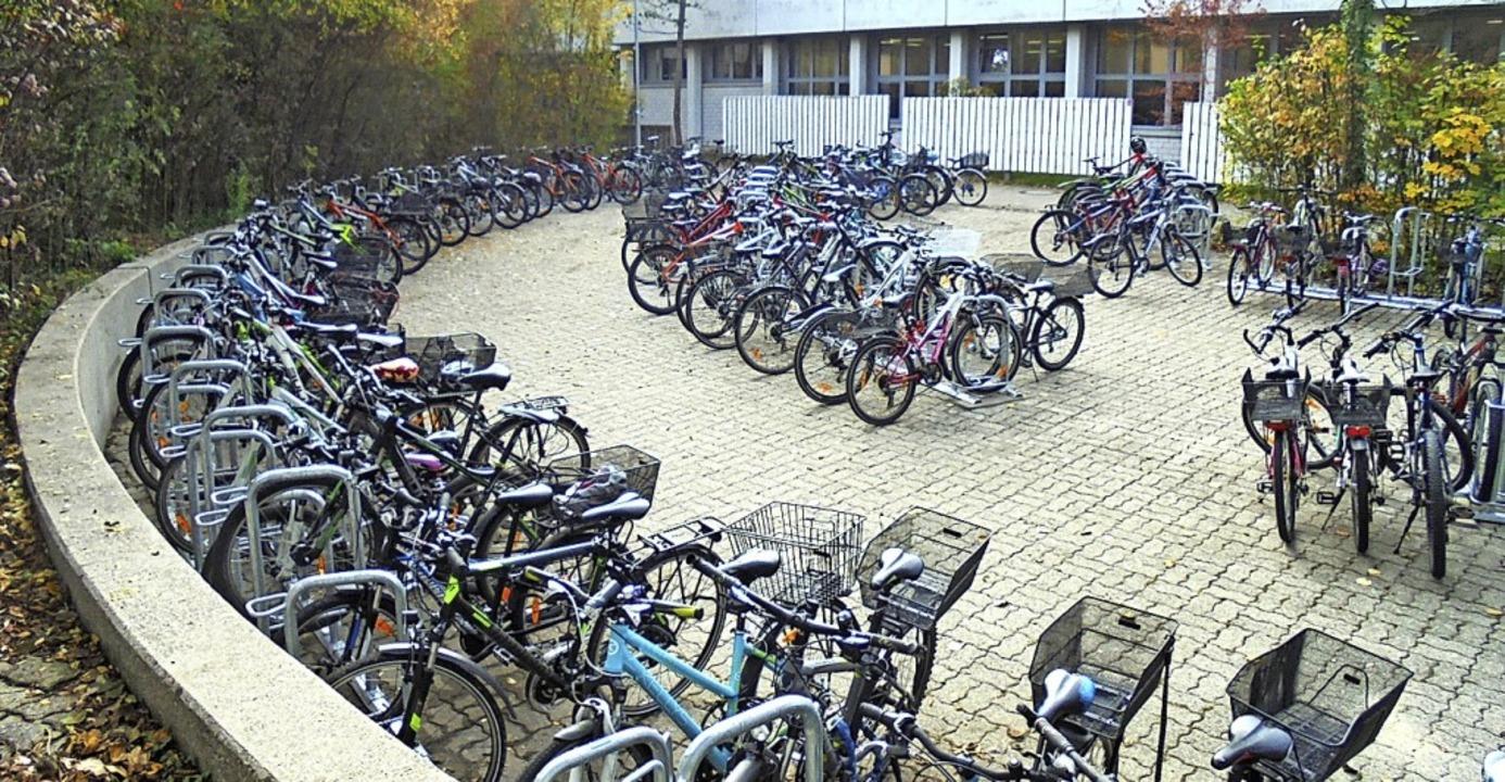 <BZ-FotoAnlauf>Gymnasium Schopfheim: <...ember 200 moderne Fahrradstellplätze.   | Foto: Stadt Schopfheim