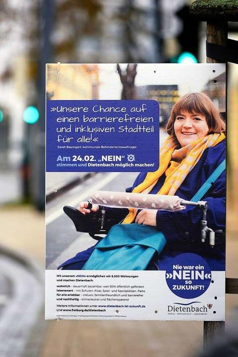 Sarah Baumgart wirbt auch auf Plakaten für Dietenbach  | Foto: Thomas Kunz