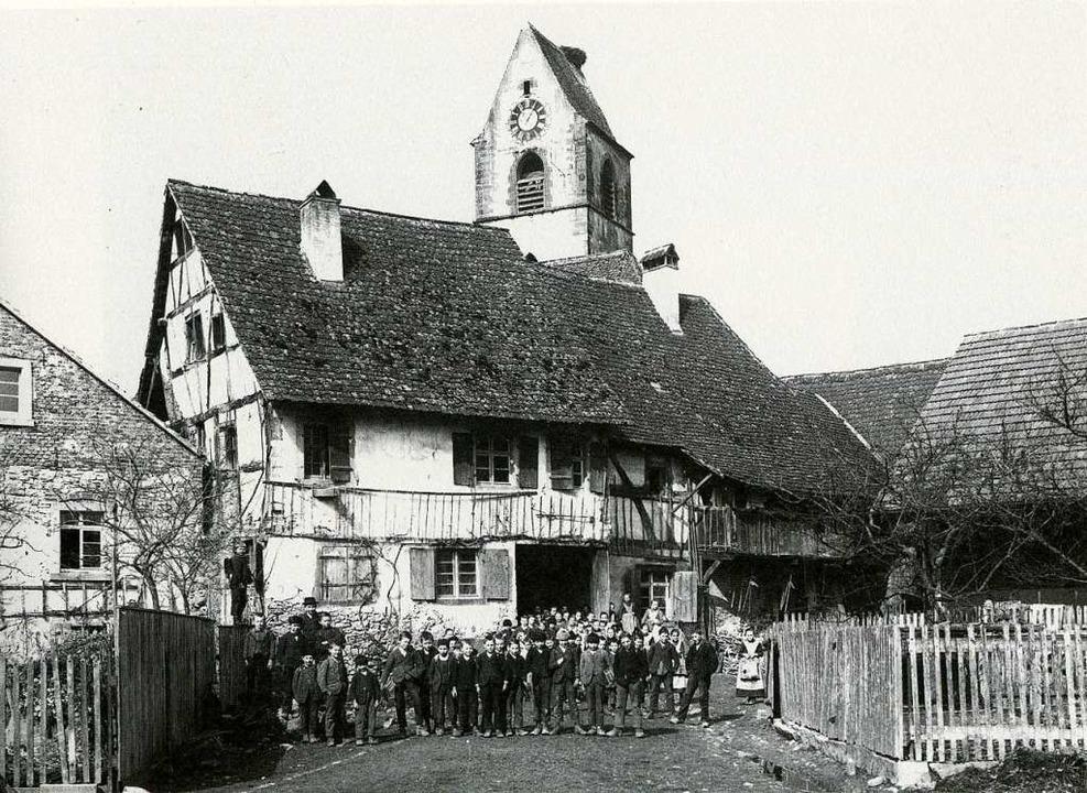 """""""Beibrechi"""" wurde das Schu...er Haupteingang zum Friedhof befindet.    Foto: privat"""