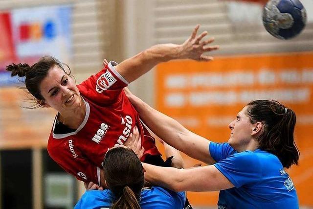 Fotos: Handballerinnen der HSG Freiburg bezwingen SV Allensbach im Spitzenspiel
