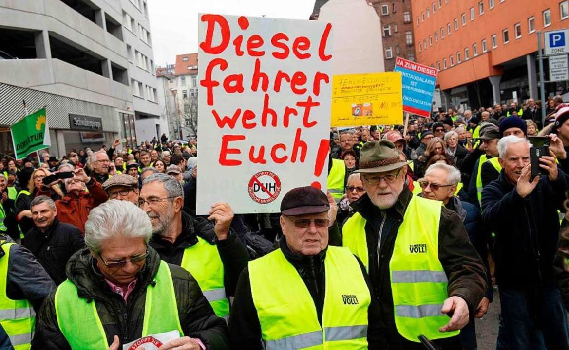 Gelbwesten-Protest am Samstag in Stuttgart   | Foto: AFP