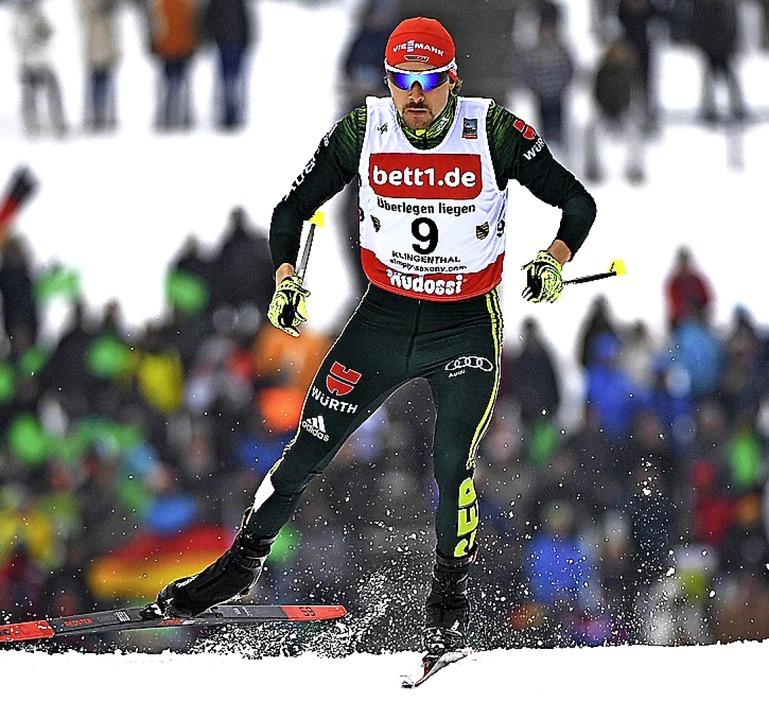 Laufstark: Fabian Rießle skatete am So...Weltcup in Klingenthal auf Rang drei.     Foto: dpa