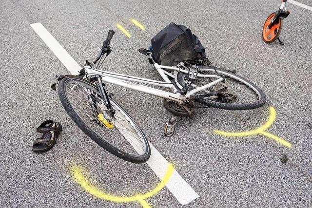 Autofahrer und Radler kollidieren in Teningen