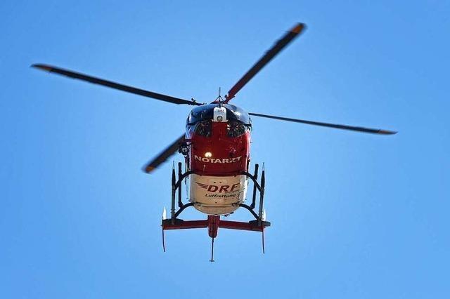 Hubschraubereinsatz im Kreisel beim Schopfheimer Friedhof