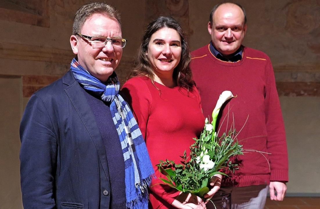 Harald Gritzner, Claudine und Udo Fare...ik mit dem Blauen auseinandergesetzt.   | Foto: dorothee Philipp