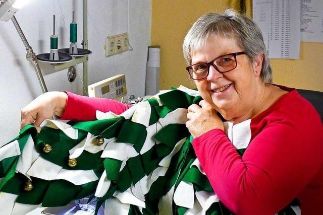 Diese Damenschneiderin näht für die Narrenzünfte in der Region