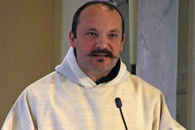 Pater Pirmin zelebriert
