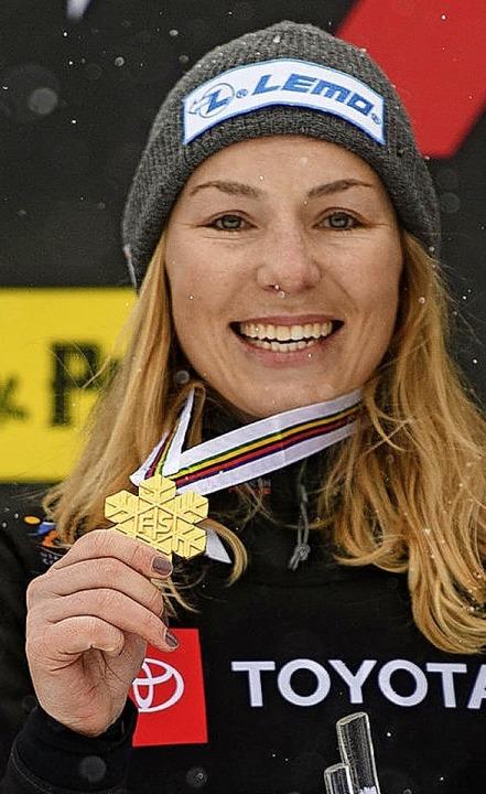 Der Lohn für alle Mühen: Selina Jörg mit der Goldmedaille   | Foto: dpa